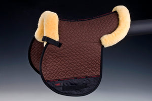 Horse Dream UK Sheepskin Jumping Numnah. Quilted cotton numnah, half lined with sheepskin with border