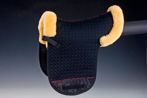 Horse Dream UK Sheepskin Dressage Numnah. Quilted cotton numnah, half lined with sheepskin with border