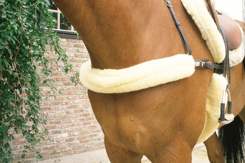Horsedream Sheepskin Breastplate cover