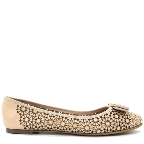 Vara Box Flats Beige Cut out