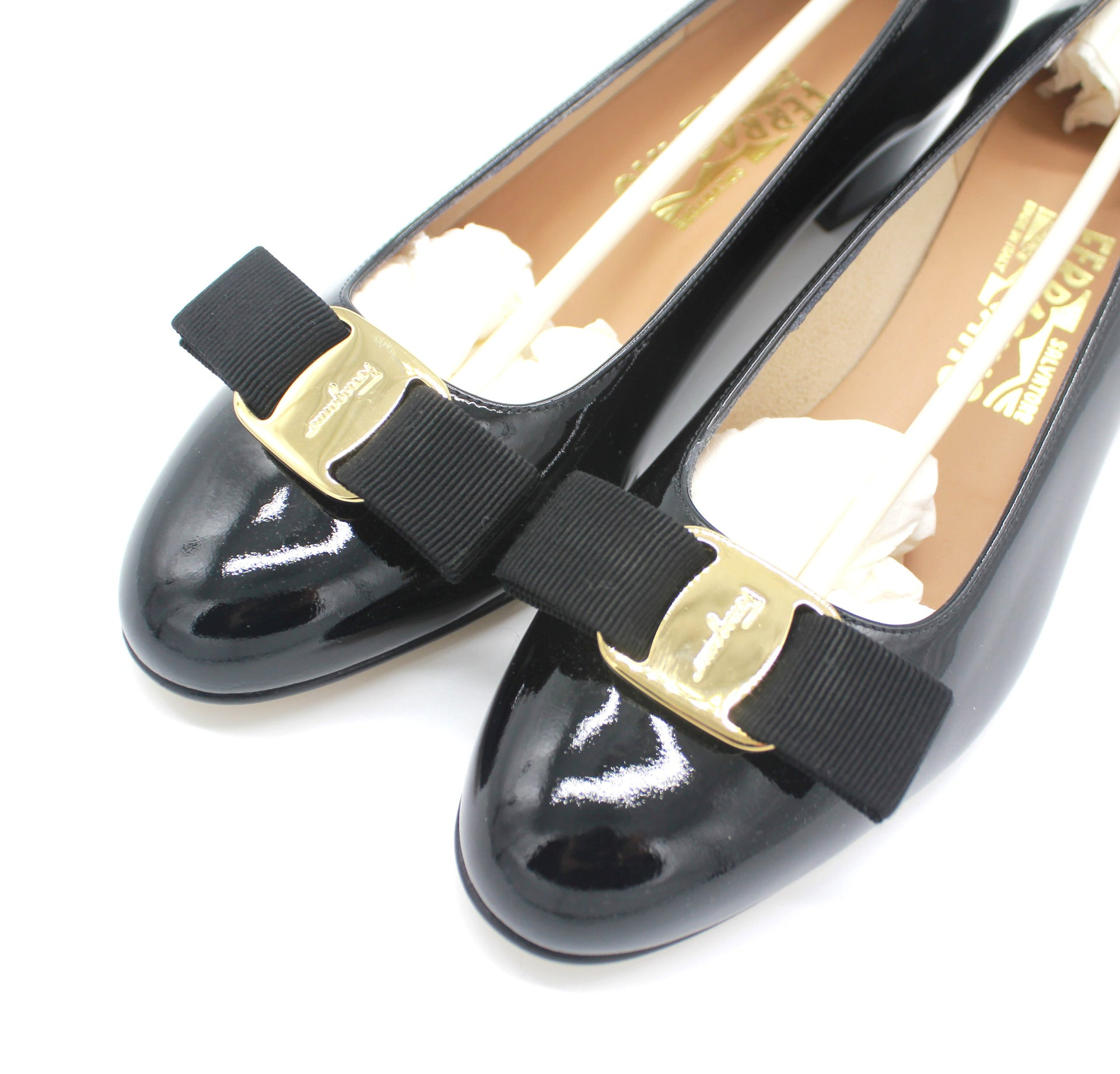Ferragamo Vara Bow Pump Shoes