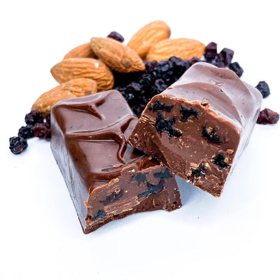 Mylk Chocolate Almonds & Currants Bar