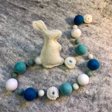 Load image into Gallery viewer, Blue Bunny Deluxe Wool Garland Kit