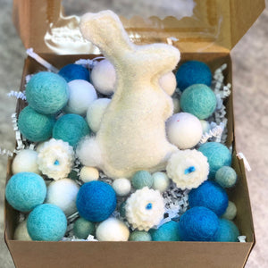 Blue Bunny Deluxe Wool Garland Kit