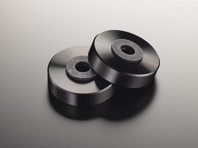 Steel plate chassis and robust insulator legs