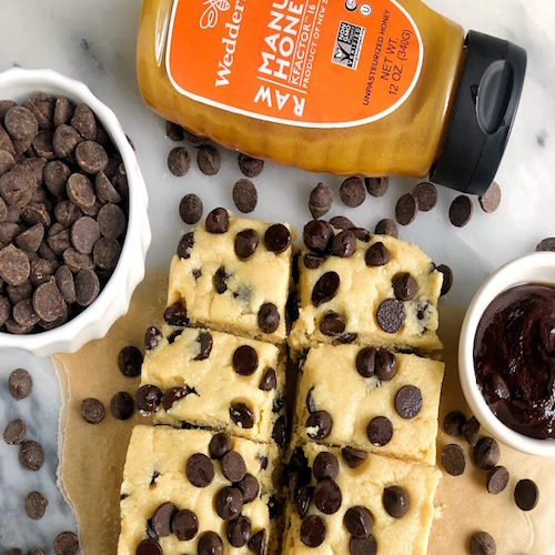 5-Ingredient Chocolate Chip Cookie Dough Fudge Squares with Raw Manuka Honey
