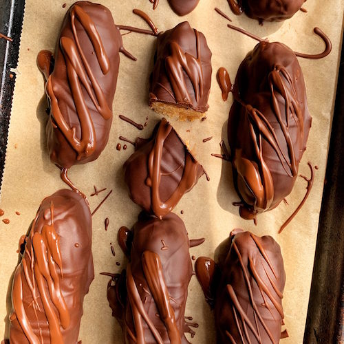 Healthy Homemade Butterfingers with Raw Manuka Honey