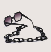 Blackout Sunnies with chunky chain