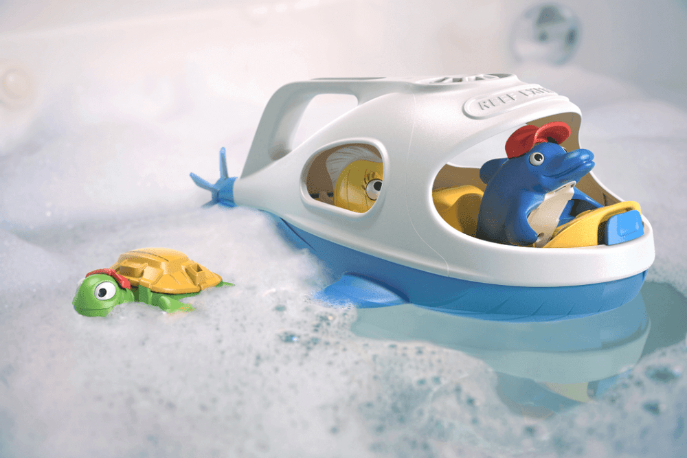 bath toys submarine and animals