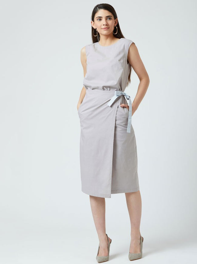 Business Grey casual knee length tunic with side pockets - DRESSES - IKKIVI - Shop Sustainable & Ethical Fashion