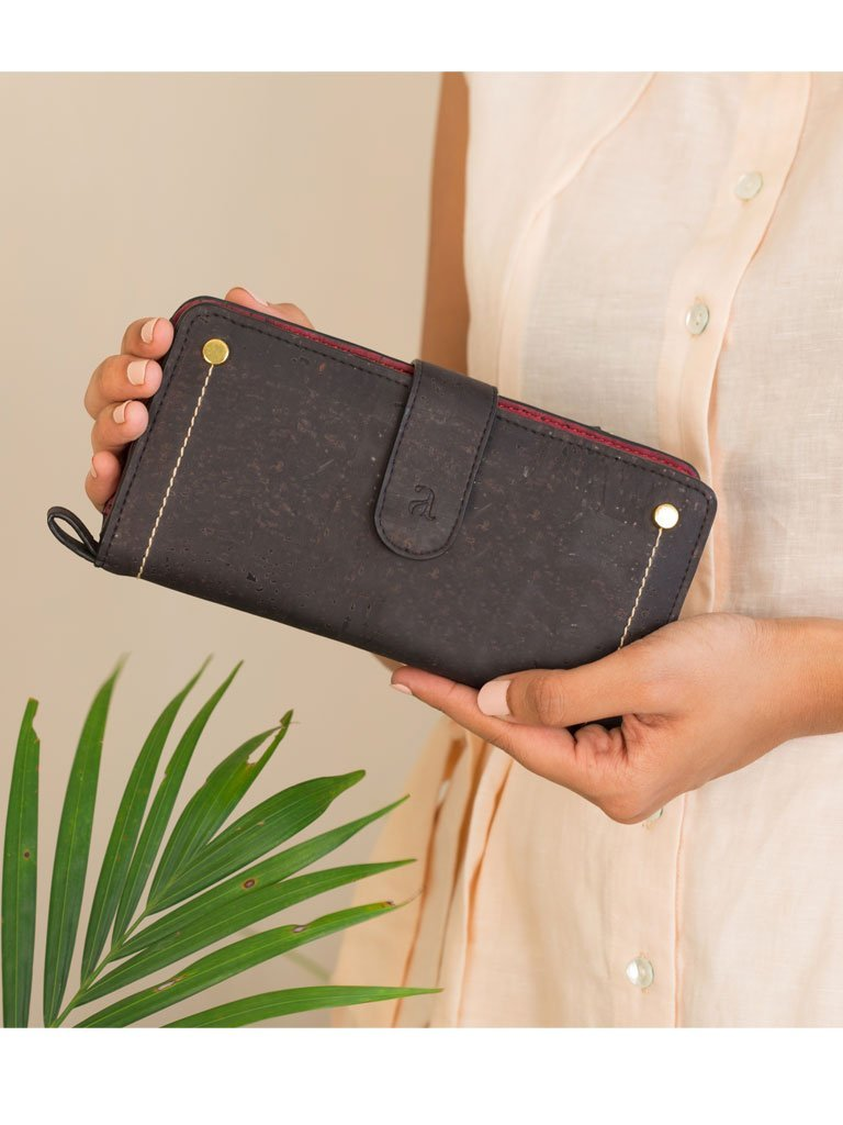 Kim Clutch Black Maroon Wallet front
