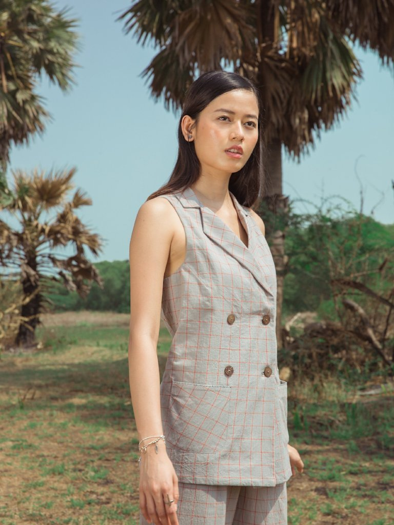 Sustainable handloom cotton blazer and pant set image 2