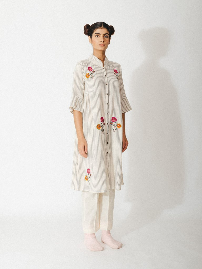 off white handwoven organic cotton robe with embroidered floral detailing image 2