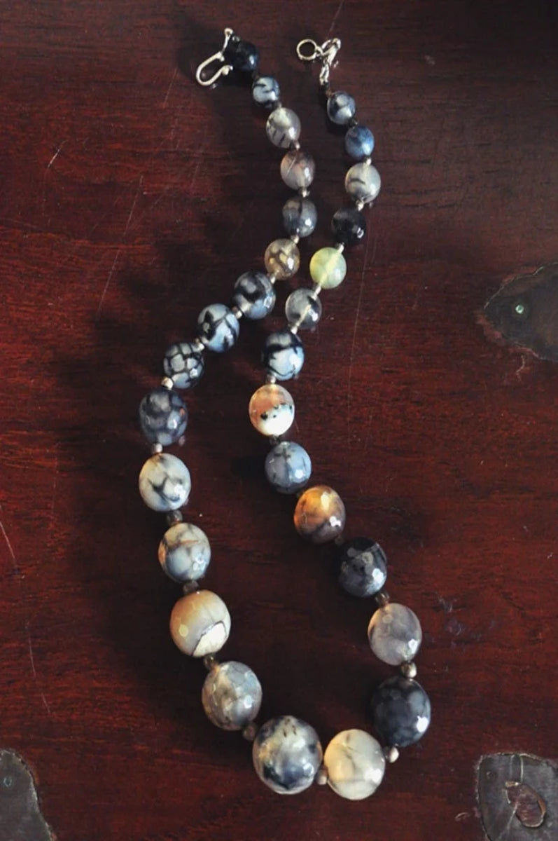 Silver and Agate Necklace -  - IKKIVI - Shop Sustainable & Ethical Fashion