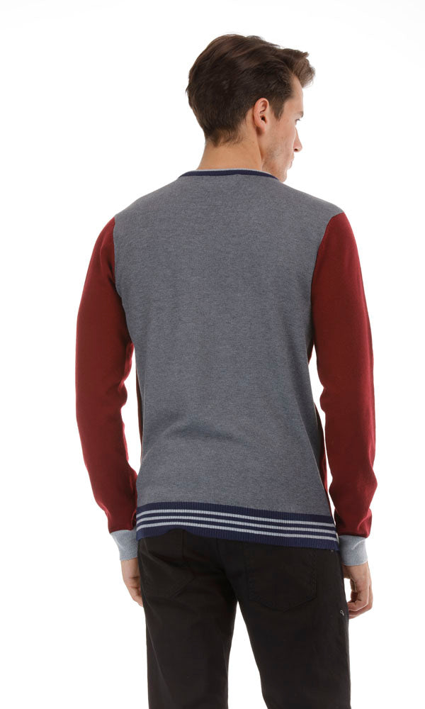contrast rib and back sweater-v-neck-embroidered logo