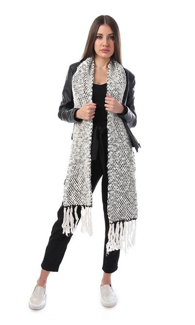 45926 Knitted Scarf With Tassels Trim - Off-White & Black - Ravin