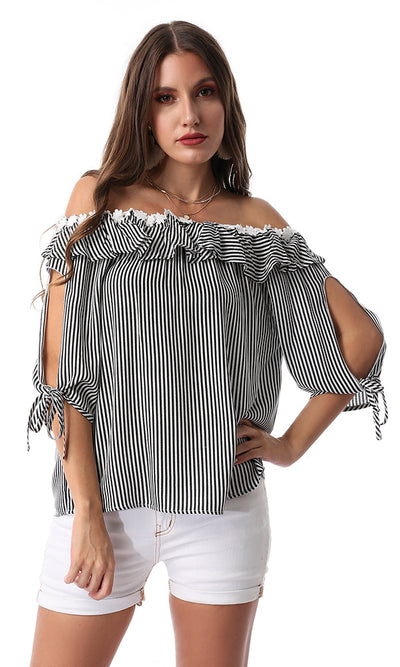 54186 Striped Floral Neck Black & White Top