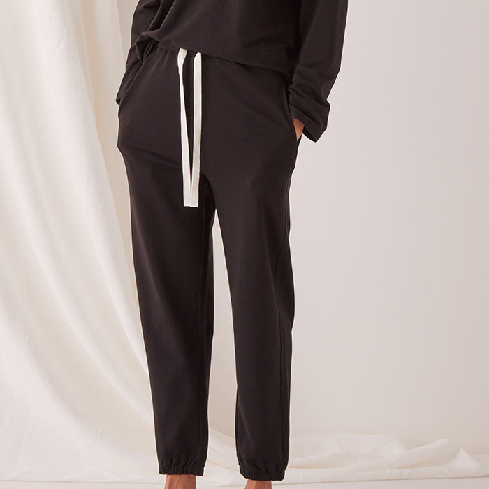 assembly label - kin fleece trackpant - black