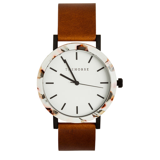 the horse watch resin E7 - nougat shell / white dial / tan leather