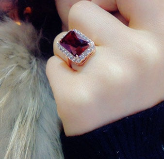 Brilliant Amazing Square Red Stone Cubic Zirconia Rose Gold Color Ring Women Jewelry.