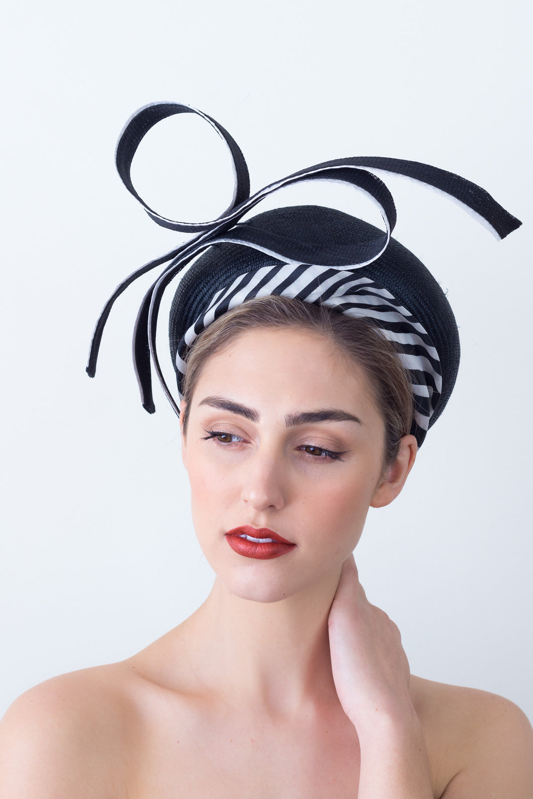 BAILEY BERET- Black and white beret with statement bow