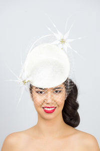 ELLA- Ivory small platter with white feather flowers and veiling