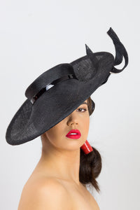 EVELYN-Black brimmed hat with black and white swirls