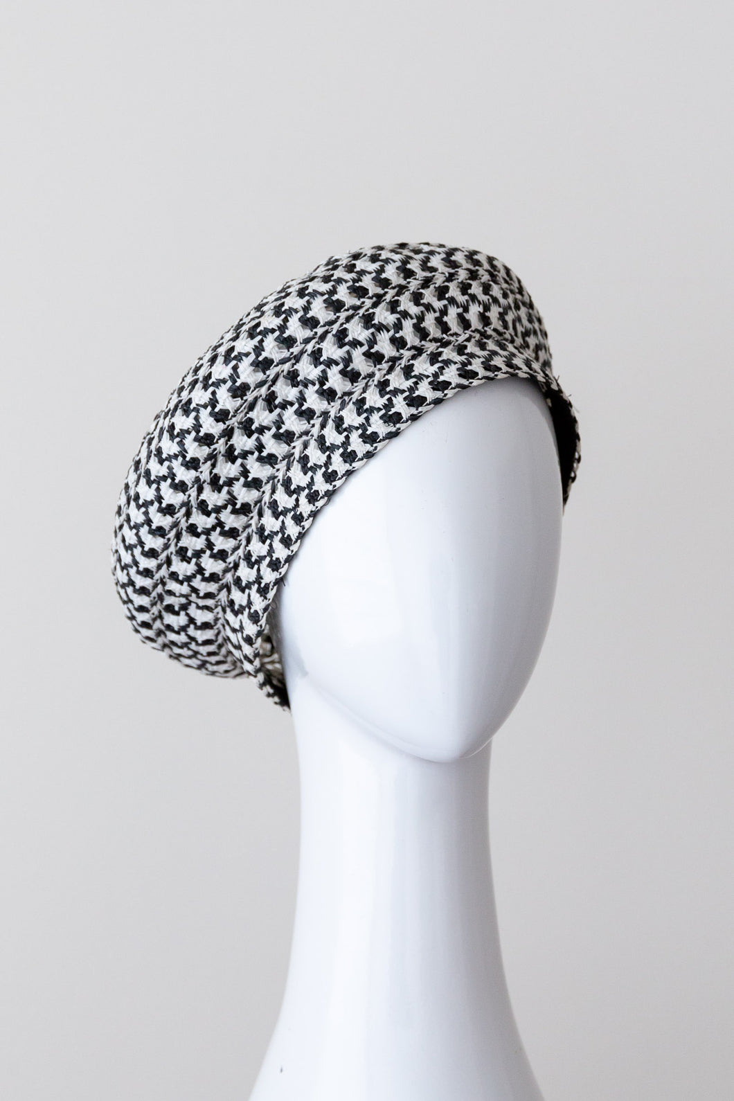 WILLY WAGTAIL  BERET-black and white beret