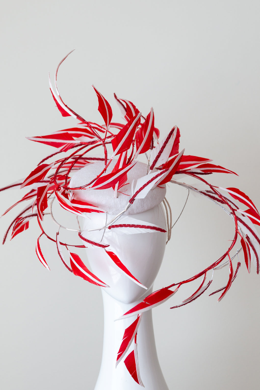 ELECTUS  HAT-Red and White feather sculptured hat