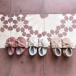 Load image into Gallery viewer, Baby slippers beige