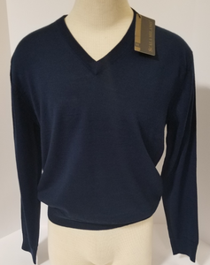 LIGHT-WEIGHT V-NECK SWEATER