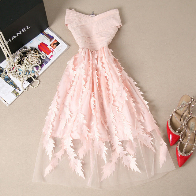 Elegant Lace Dress - Veignity