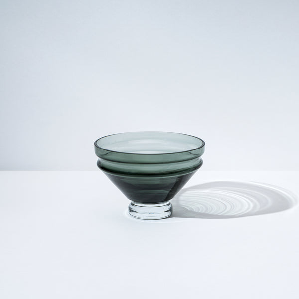 raawii Relæ - Small Glass Bowl Bowl Cool Grey