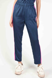 SOLID NYLON SIDE STRIPE JOGGER