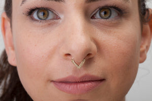 14k Gold V Shaped Indian Septum Ring Jewelry - Tatjana