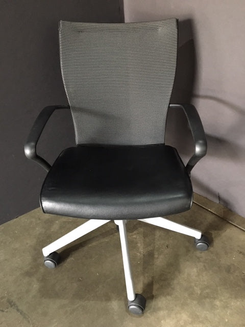 Pre-Owned Haworth X99 Task Chair