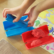 Tactile Kinetic Sand, motor and cognitive skills, for disabled children.