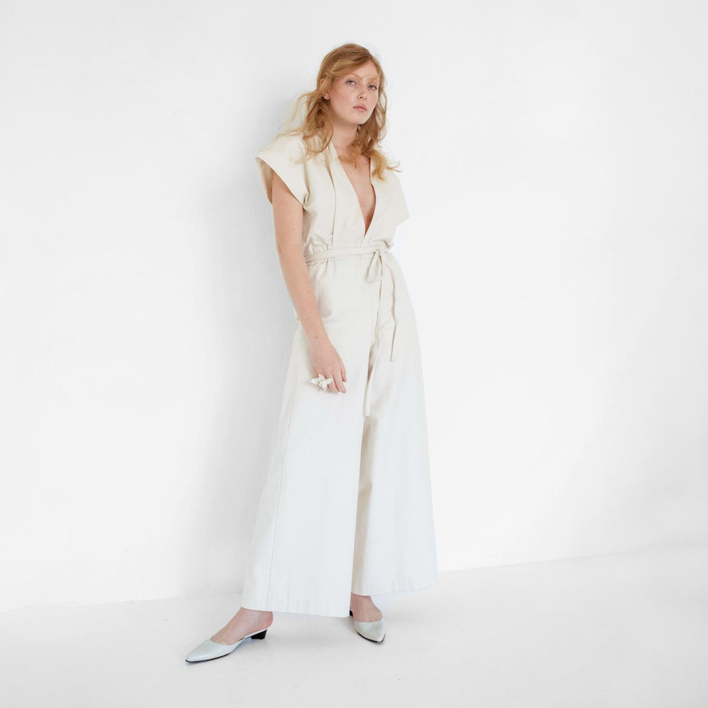 modern-sustainable-bridal-wedding-gown