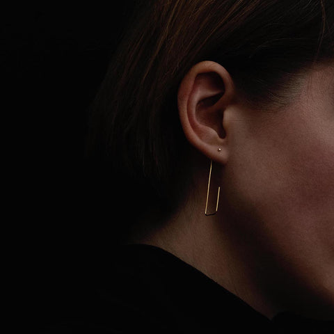 minimalist earrings in gold, Natascha Von Hirschhausen
