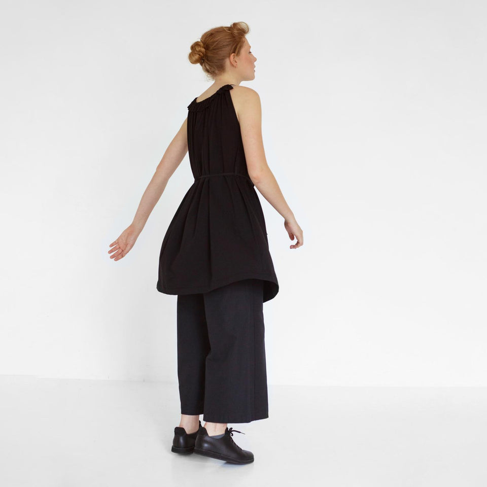 flowing summer dress with ruffles by Natascha von Hirschhausen fashion design made in Berlin