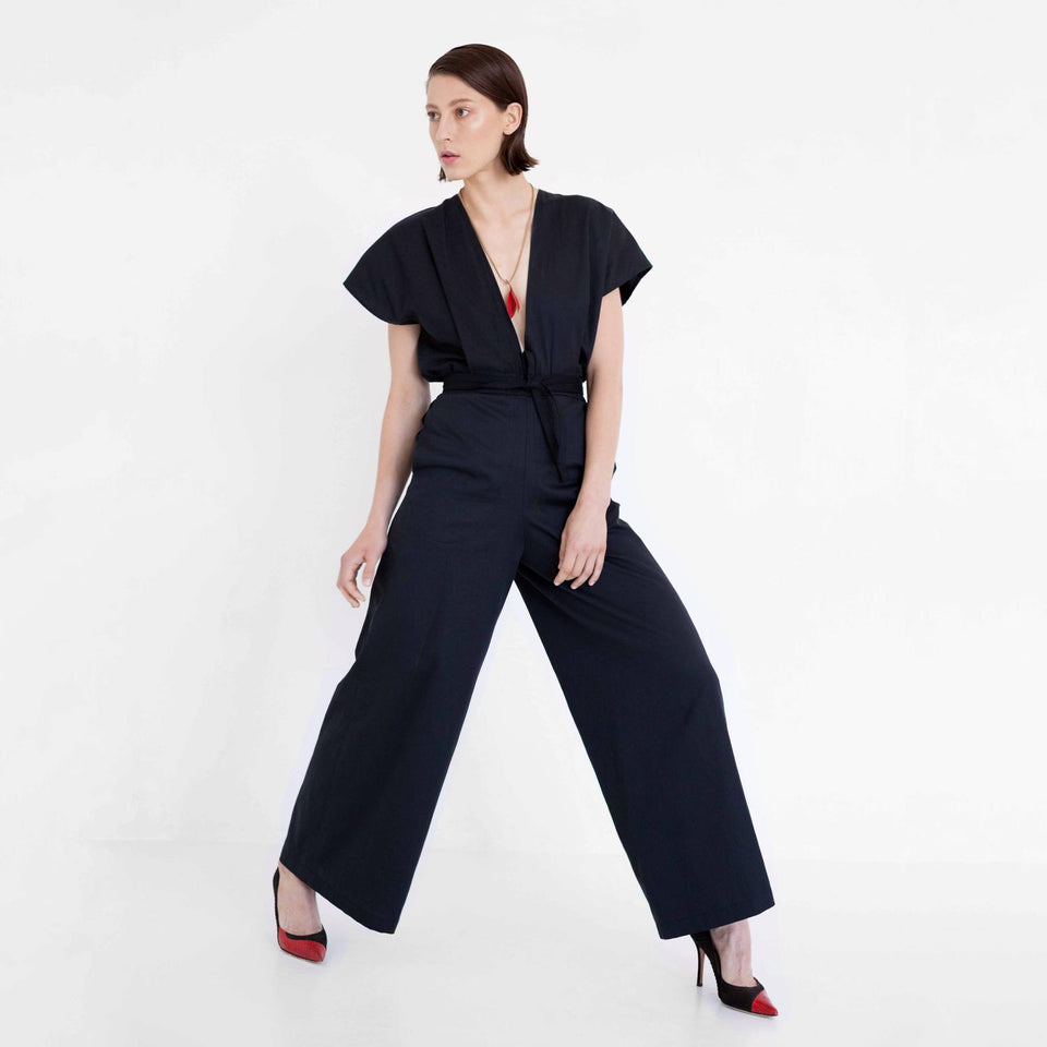 minimal design jumpsuit made of organic cotton by Natascha von Hirschhausen fashion design made in Berlin