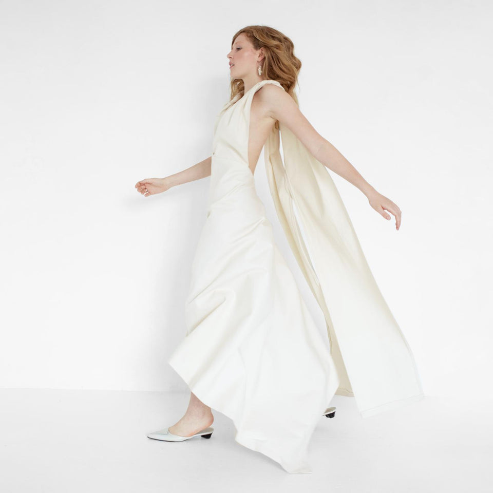 modern bridal dress with train by Natascha von Hirschhausen fashion design made in Berlin
