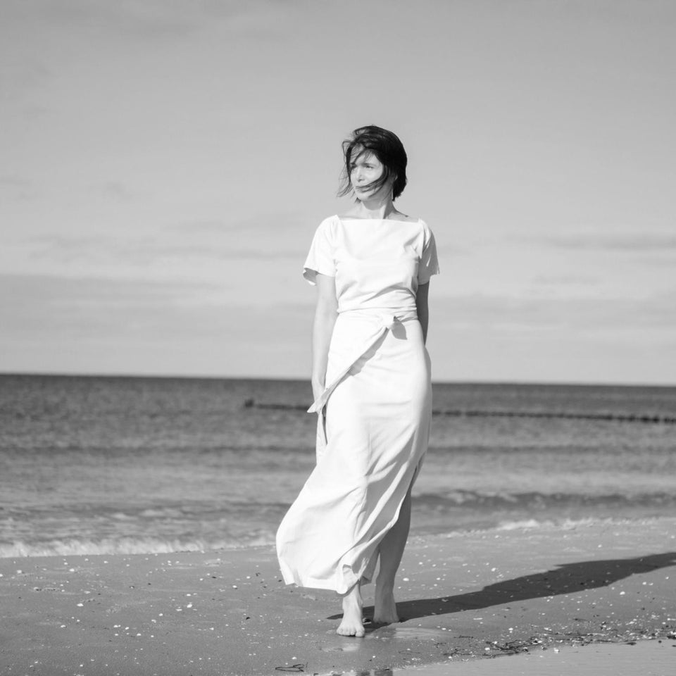 minimal design bridal dress made of organic cotton by Natascha von Hirschhausen fashion design made in Berlin