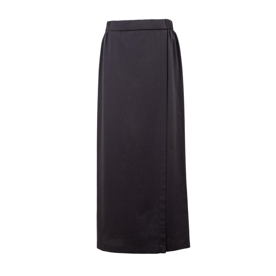 straight skirt with slit by Natascha von Hirschhausen fashion design made in Berlin