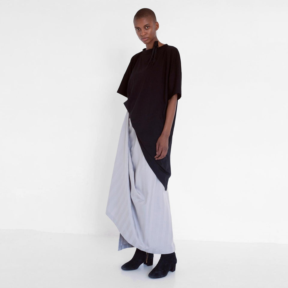 asymmetric shirt made of organic cotton by Natascha von Hirschhausen fashion design made in Berlin