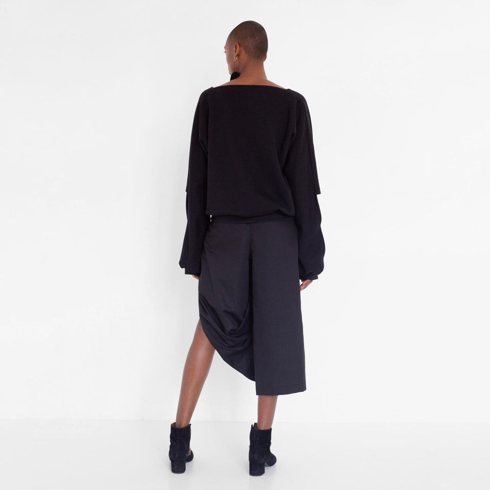 draped pants in three-fourth length by Natascha von Hirschhausen fashion design made in Berlin