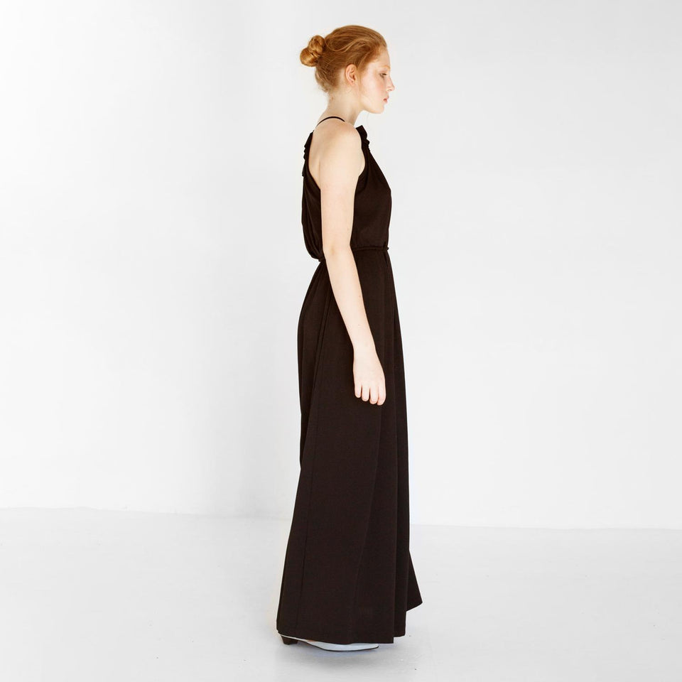 elegant jersey dress with ruffles by Natascha von Hirschhausen fashion design made in Berlin