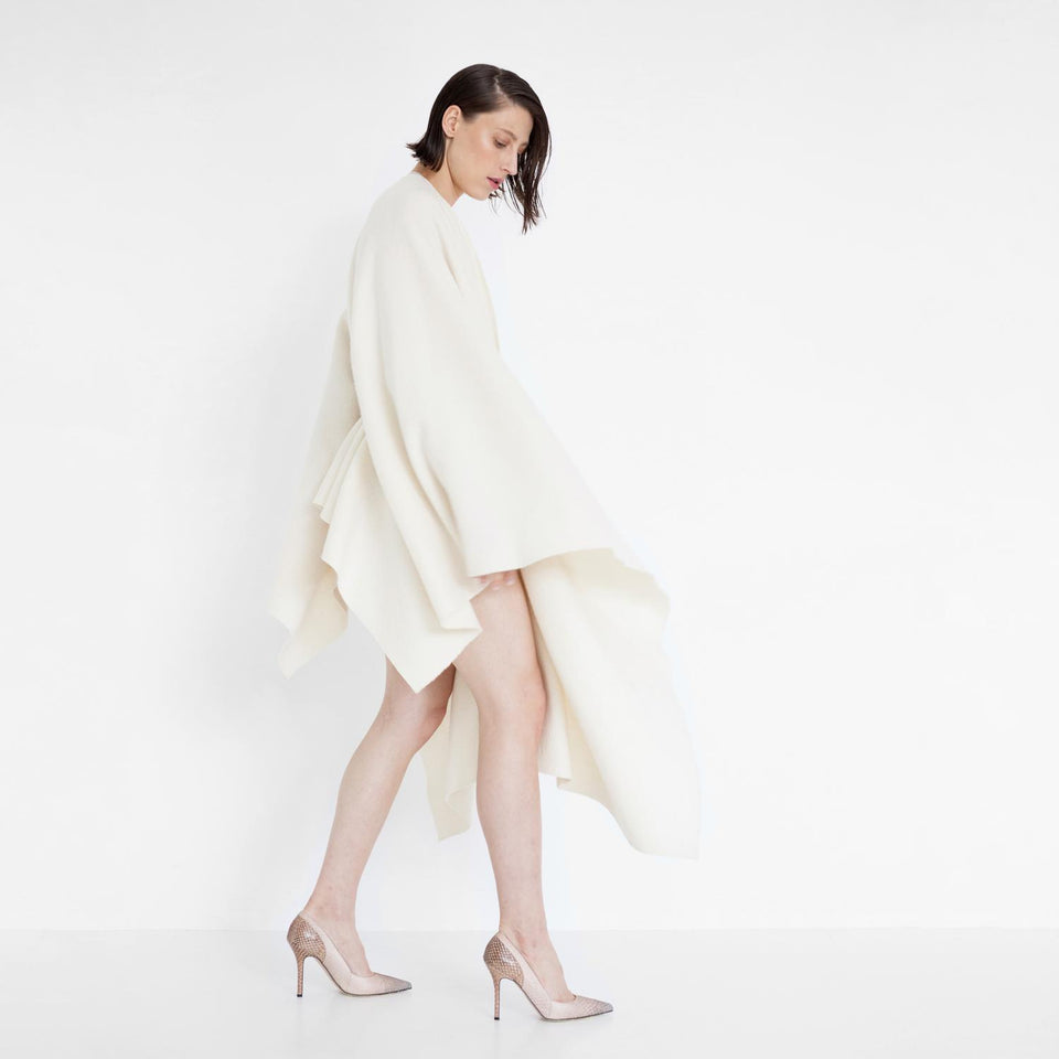 flowing woolen cape by Natascha von Hirschhausen fashion design made in Berlin