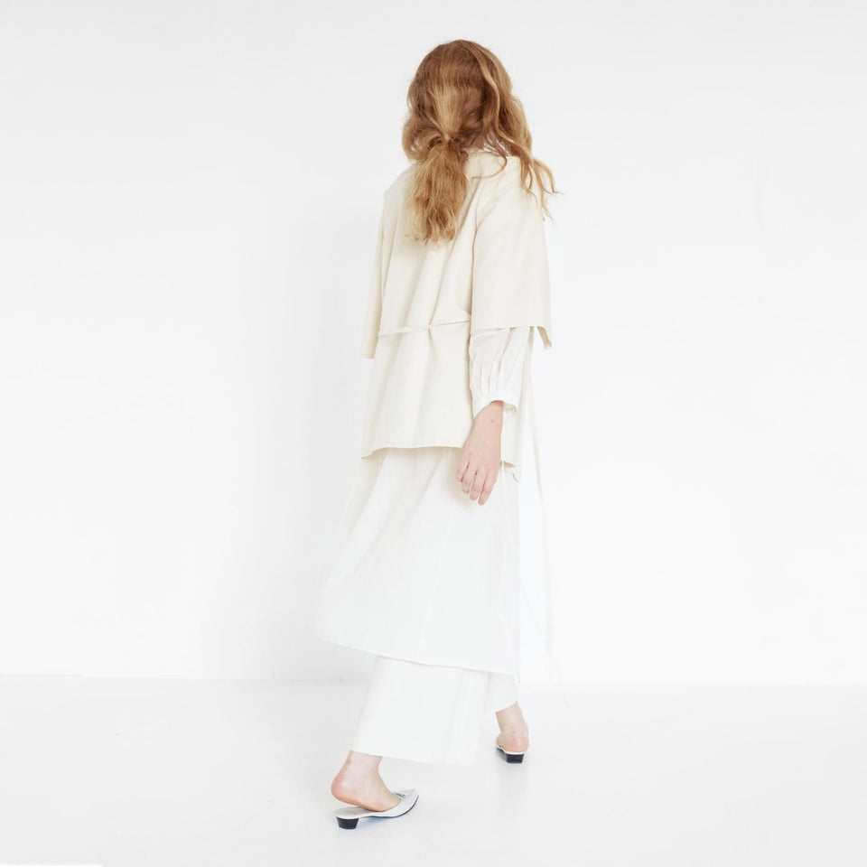 modern organic cotton bridal suit by Natascha von Hirschhausen fashion design made in Berlin