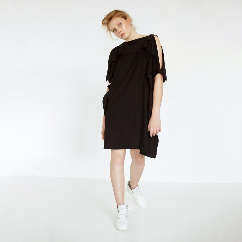 modern oversized dress with fabric mix by Natascha von Hirschhausen fashion design made in Berlin